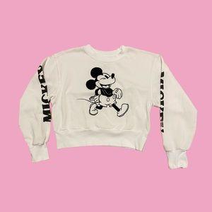 NWOT Girls Mickey Sweatshirt.